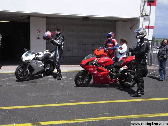 ducatiday09_05.jpg